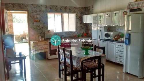 Casa, código 208 em Santo Antônio do Pinhal, bairro Centro