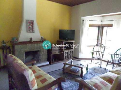 Casa, código 188 em Santo Antônio do Pinhal, bairro 7 Km do Centro
