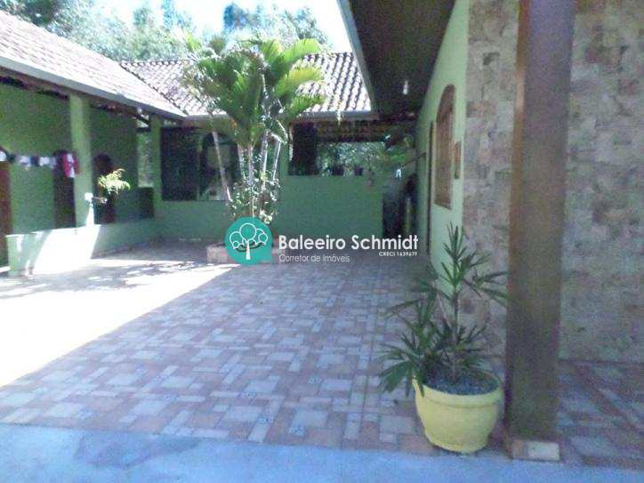 Casa em Santo Antônio do Pinhal, no bairro 7 Km do Centro