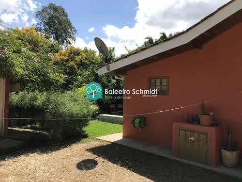 Casa, código 185 em Santo Antônio do Pinhal, bairro Centro