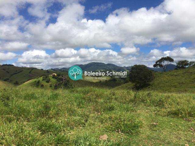 Sítio em Santo Antônio do Pinhal, no bairro Aprox 7 Km do Centro