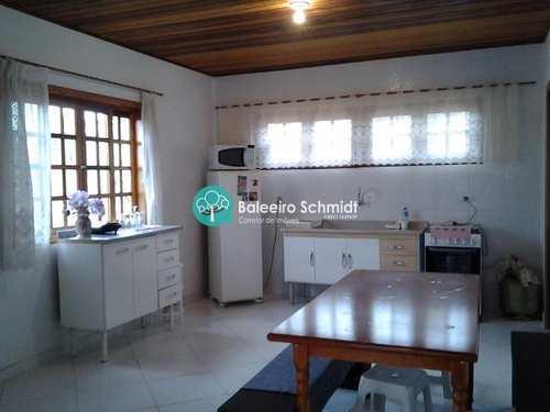 Casa, código 271 em Santo Antônio do Pinhal, bairro Centro