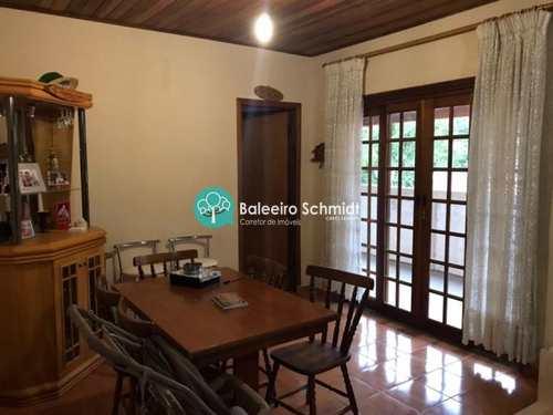 Casa, código 142 em Santo Antônio do Pinhal, bairro Centro