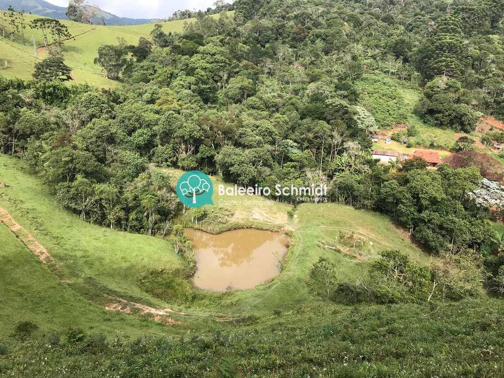 Sítio em Santo Antônio do Pinhal, no bairro Aproxi 3 Km do Centro