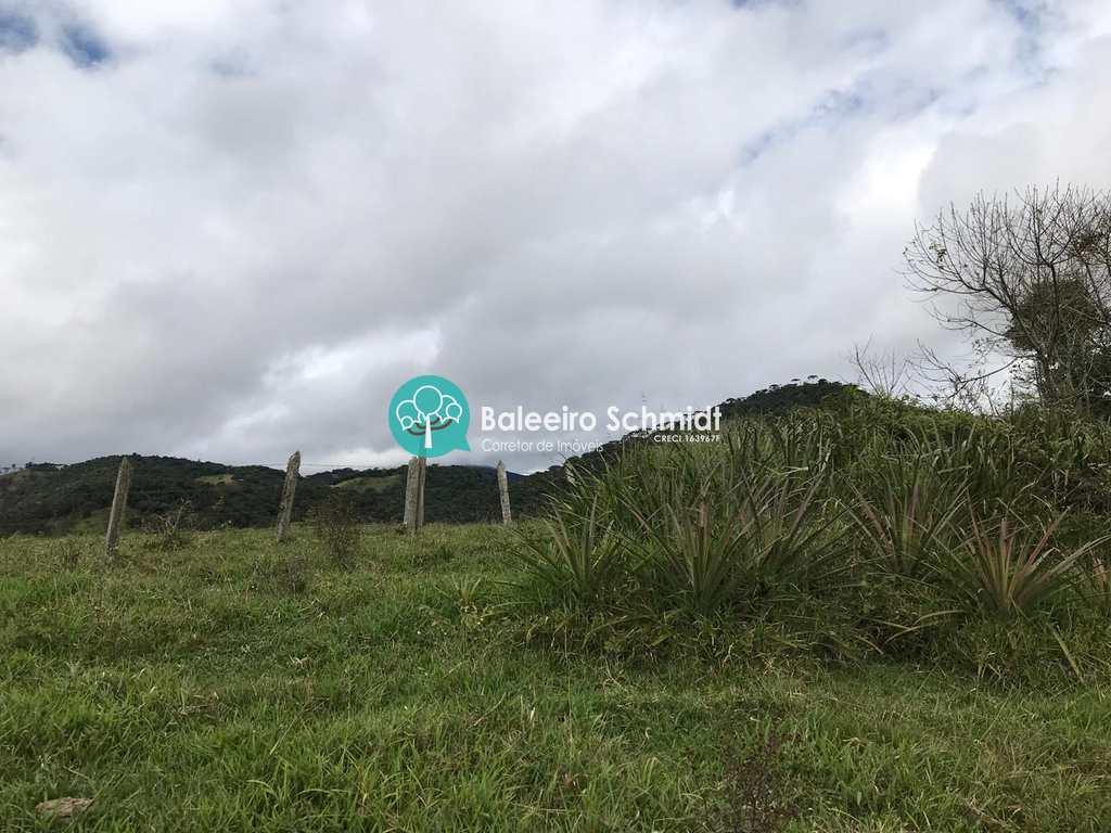 Sítio em Santo Antônio do Pinhal, no bairro 7 Km do Centro