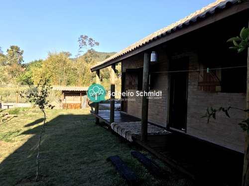 Casa, código 382 em Santo Antônio do Pinhal, bairro Centro