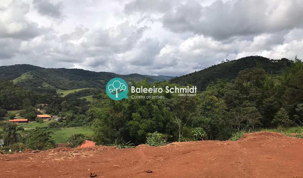 Terreno Comercial em Santo Antônio do Pinhal, bairro Proximo Ao Centro