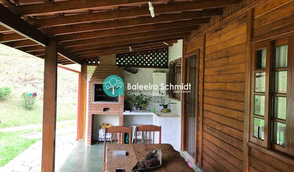 Casa em Santo Antônio do Pinhal, bairro Aproxi 3 Km do Centro
