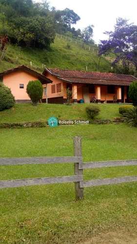 Casa, código 606 em Santo Antônio do Pinhal, bairro Centro