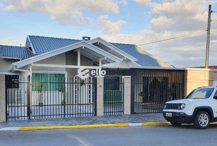 Casa em Lages, no bairro Coral