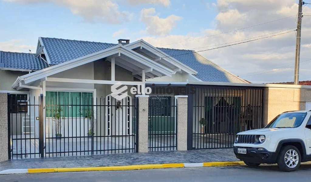 Casa em Lages, bairro Coral