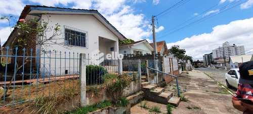 Casa, código 144 em Lages, bairro Brusque