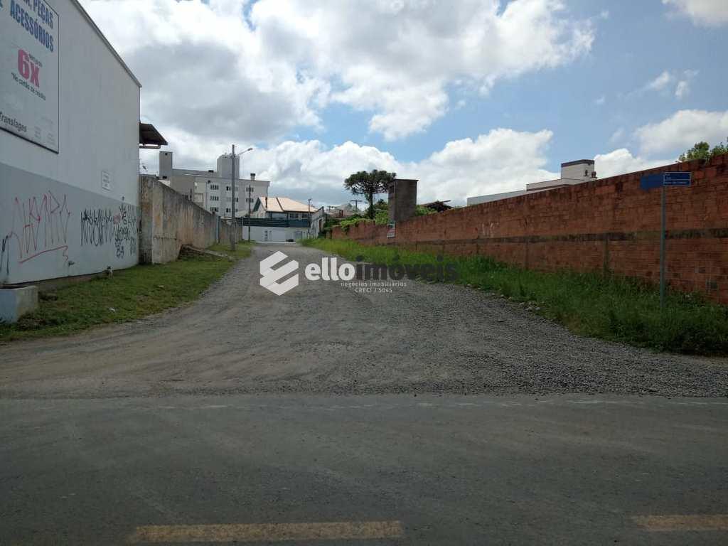 Armazém Ou Barracão em Lages, no bairro São Cristóvão