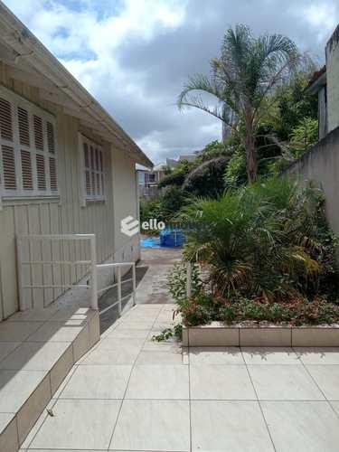 Casa, código 166 em Lages, bairro Centro