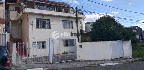 Casa, código 169 em Lages, bairro Centro