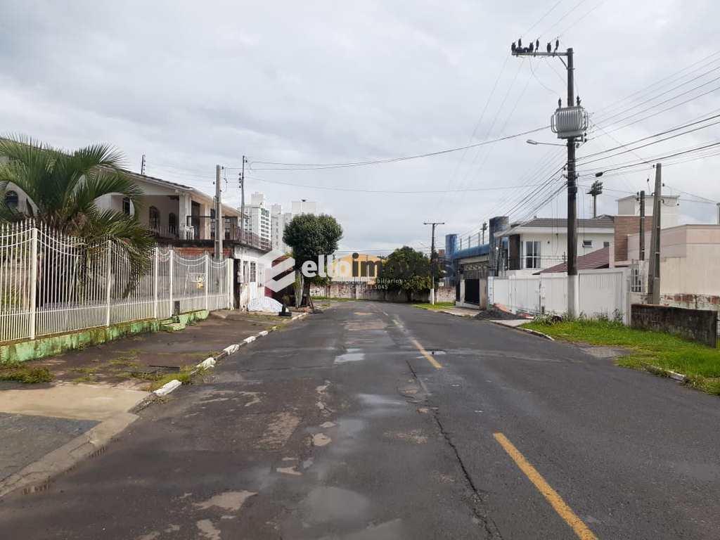 Casa em Lages, no bairro Sagrado Coração de Jesus