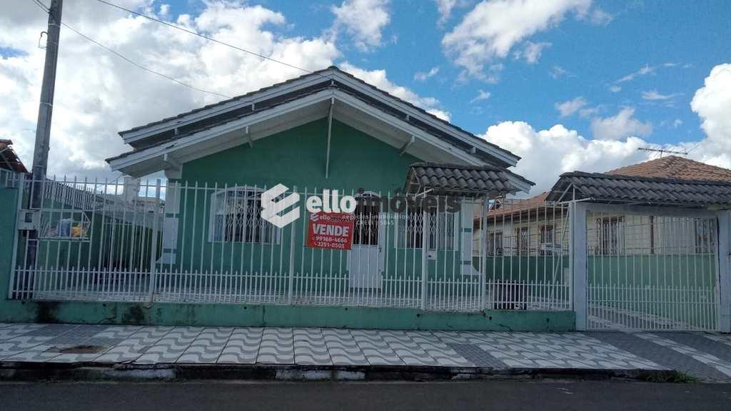 Casa em Lages, no bairro São Cristóvão