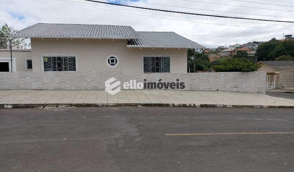Casa em Lages, bairro Beatriz