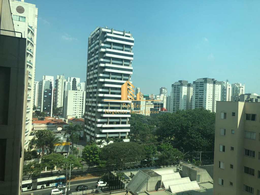 Conjunto Comercial em São Paulo, no bairro Moema