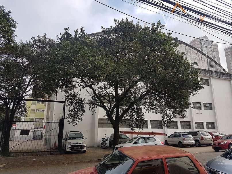 Prédio Comercial em São Paulo, no bairro Barra Funda