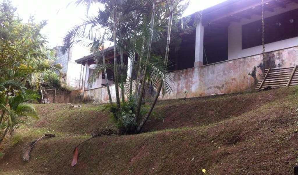 Casa em Embu-Guaçu, bairro Centro