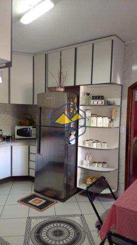 Casa em Itapecerica da Serra, no bairro Jardim Marilú