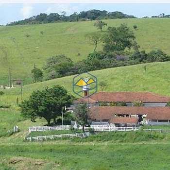 Fazenda em Cachoeira Paulista, bairro Cachoeira Paulista