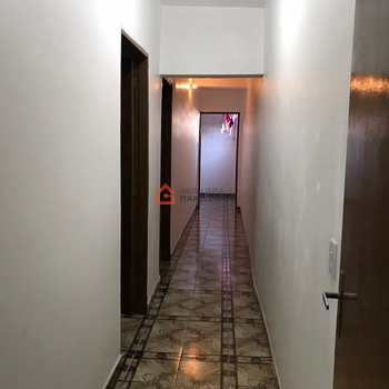 Casa em Embu das Artes, bairro Jardim Fabiana