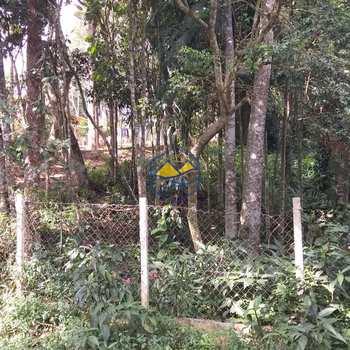Terreno em Itapecerica da Serra, bairro Mombaça
