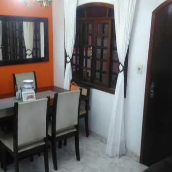 Casa em Itapecerica da Serra, bairro Olaria