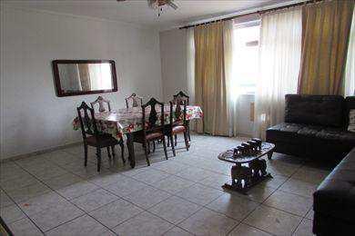 Apartamento, código 9745 em Santos, bairro Embaré
