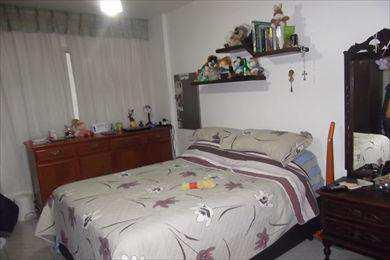Apartamento, código 8452 em Santos, bairro Boqueirão