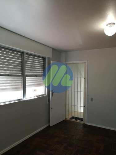 Apartamento, código 42 em Pelotas, bairro Centro