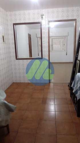Apartamento, código 102 em Pelotas, bairro Fragata