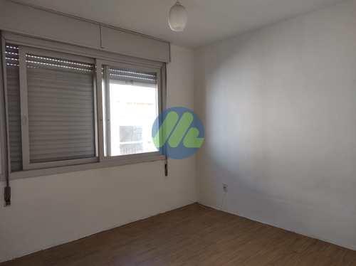 Apartamento, código 137 em Pelotas, bairro Centro