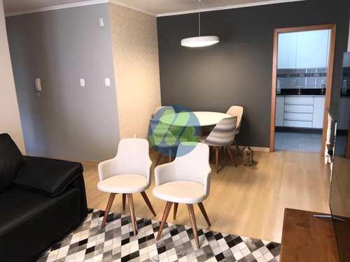 Apartamento, código 139 em Pelotas, bairro Centro
