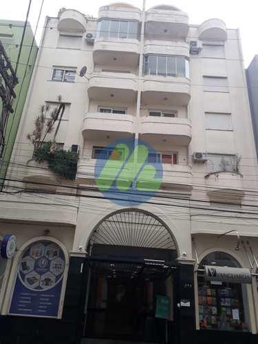 Apartamento, código 172 em Pelotas, bairro Centro