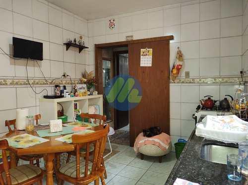 Casa, código 175 em Pelotas, bairro Centro