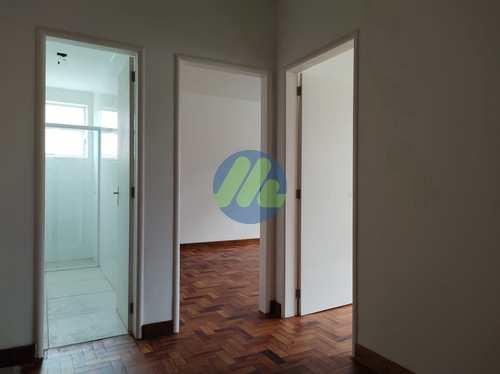 Apartamento, código 242 em Pelotas, bairro Centro