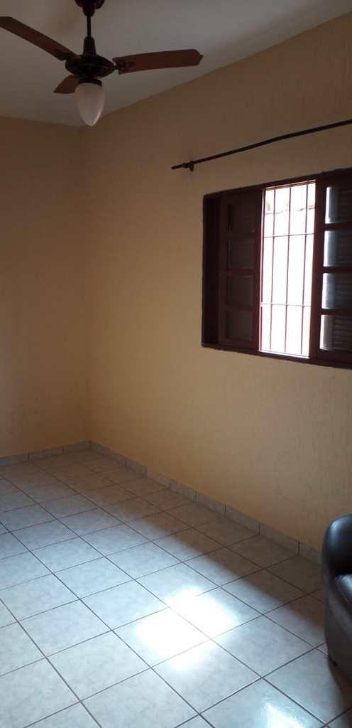 Casa em Mongaguá, no bairro Itaguaí
