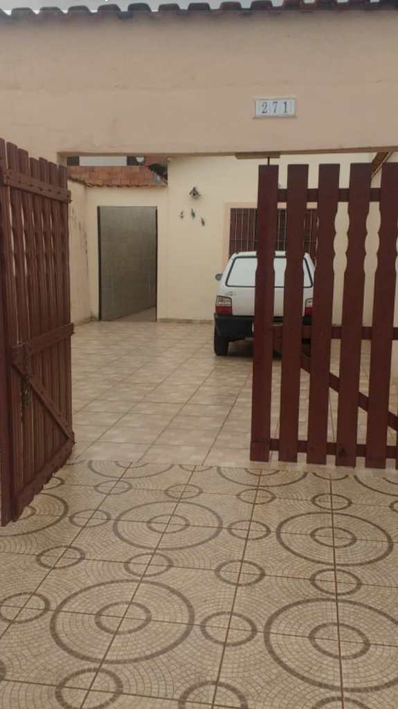 Casa em Mongaguá, no bairro Jussara