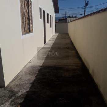 Casa em Caraguatatuba, bairro Jardim Tarumãs