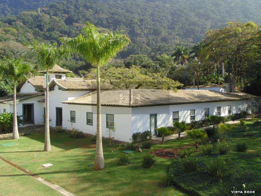 Casa em São Sebastião, no bairro Guaecá