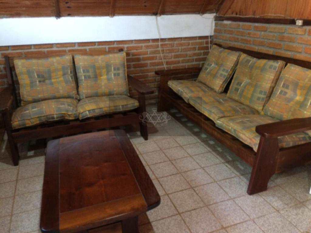 Casa em Caraguatatuba, no bairro Getuba