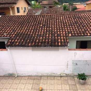 Sobrado em Caraguatatuba, bairro Caputera