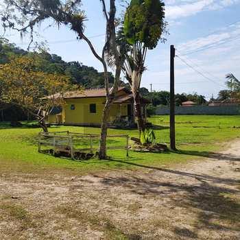 Chácara em Caraguatatuba, bairro Getuba