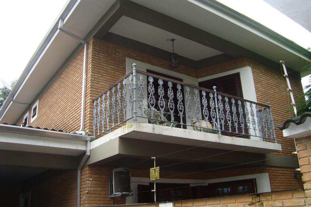 Casa em Caraguatatuba, no bairro Jardim Capricórnio