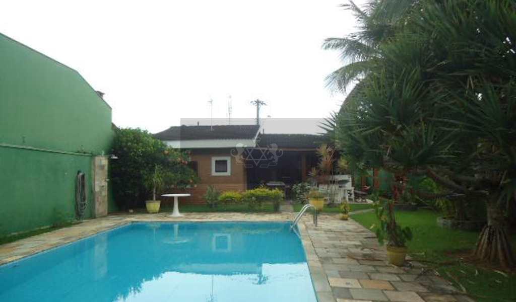 Casa em Caraguatatuba, bairro Jardim Capricórnio