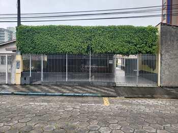 Casa, código 100 em Caraguatatuba, bairro Centro