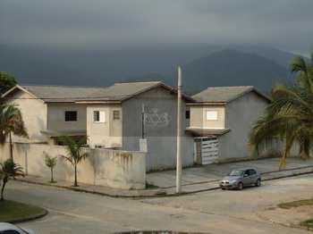 Casa de Condomínio, código 105 em Caraguatatuba, bairro Massaguaçu